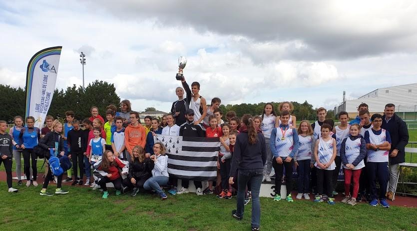 Bilan du challenge national des Ligues de marche. Aymeric Hue remporte l'heure de marche chez les juniors!